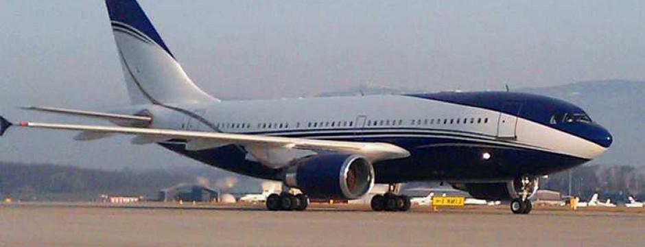 Airbus privé sur l'aéroport de Genève LSGG GVA arrivant en secteur jet Aviation et reçu par la protocole VIP de l'aéroport pour quinze passagers